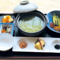 【茶粥朝食一例】朝はさらさらと食べられるお粥が胃にやさしいですね♪