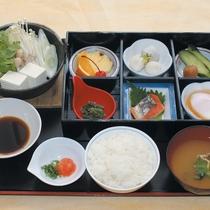 【和朝食一例】THE日本の朝食♪朝は白ご飯とお味噌汁が定番ですね。