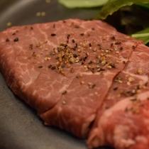 【国産牛ステーキ】ジューシーな旨みがたまりません♪