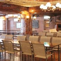 *【レストラン】広々レストランでお食事をお楽しみ下さい。