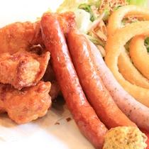 *【昼食例】手ごろな一品料理もございますよ。