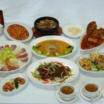 旬の野菜や魚介類を使い、薬膳を用いた本格中華です。