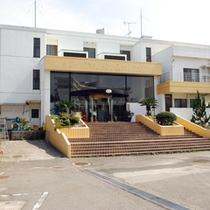 しまなみ海道より船で5分の離島「岩城島」にあるホテルです。