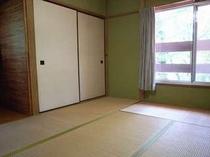 63. 和室(3部屋)でゆったりお休みいただけます 【〜8名様:しゃくなげ1号館】
