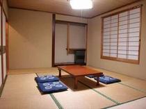 118. 落ち着いた和室は10畳・8畳・4.5畳の3部屋、ツインの洋室が5部屋 【〜20名様:しゃくなげ19号館】