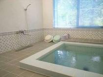 114. 大きなお風呂が二つあるので、大人数でもゆっくりお寛ぎいただけます。【〜20名様:しゃくなげ8号館】