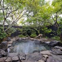 *【ゆずりは】石造りの露天風呂はもちろん源泉かけ流し
