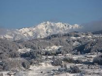 冬の成就・日本記を望む