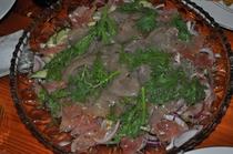 地元産夏野菜を焼いたシンプルワイルド料理。