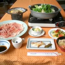 *【夕食一例】地物・旬素材をふんだんに使用しております!
