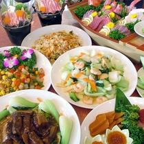 *宴会プラン和中コース一例/お刺身、鍋物などの和食と炒飯など中華料理を合わせた約8品。