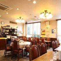 *レストラン/夕食・朝食のバイキングはこちらの会場でお楽しみください。