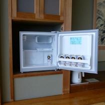 *お部屋の冷蔵庫は、ご自由にご利用ください。※ビールは別途有料となります。