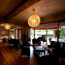 館内併設 オープンカフェ