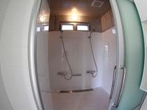 お部屋のほかにもシャワースペースが