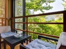 【庭園と岩国の城下町を望む特別室さくらの間】和室10畳+次の間