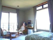 角部屋ツイン〜トリプルルーム(3階)