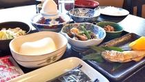 ボリューム満点の【朝食】