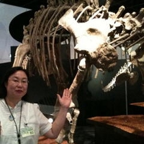恐竜博物館にて、女将