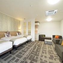 【サウナ付き】 ベッドは140cmのダブルサイズ2台と100㎝のシングルベッドと ソファーベッド3台