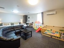 【特別ファミリールーム】■55平米■ベッド140cm幅1台・110㎝幅1台・100㎝幅1台