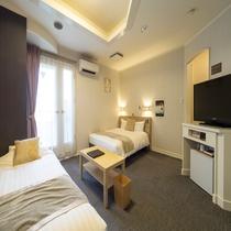 【ファミリーツインA(3名利用】■広さ25平米■ベッドは140cmダブルと100cmシングル