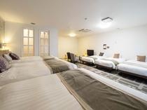 【特別和洋室】■広さ70平米■ベッドは140cmダブルベッド2台と110cmシングルベッド4台