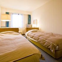 *【客室例/洋室Aツイン】気兼ねなくお寛ぎ頂けるお部屋です。