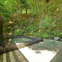 *【露天風呂】/自然が織り成す景観を眺めながらゆっくりと湯船に浸かる贅沢なひと時。