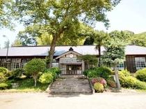 旧上岡(うわおか)小学校