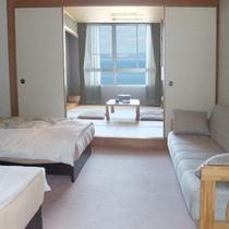 【和洋室】ベッド2台+和室のお部屋です。(オーシャンビュー)