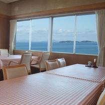 館内一例:瀬戸内海が一望できるレストラン