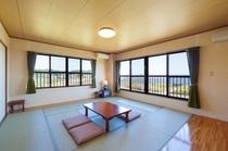 窓から北浦湖を一望