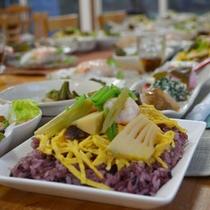 【夕食一例】地元の旬の食材を使った郷土料理をご賞味下さい
