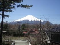 客室から見える富士山です