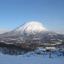 雪化粧の羊蹄山