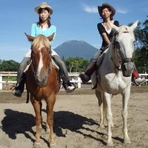 馬に挑戦されたい方はスタッフまでお申し付けください。手配も可能です。