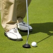ニセコセントラルの周りにはたくさんのゴルフ場がございます。