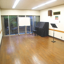 【スタジオ】趣味仲間との旅行にホールやスタジオスペースをお探しの方にぴったり!