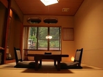 和室10畳(室内にトイレ有)