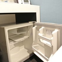 室内には空冷蔵庫完備。ご自由にお使い頂けます。