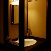 新館客室洗面所一例