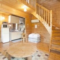 *【客室例】広々とした室内は、木の温もりが感じられます。