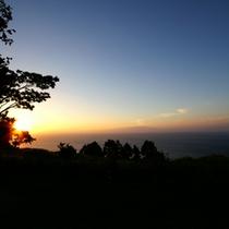 離れのお部屋からは海から昇る日の出をご覧いただけます。