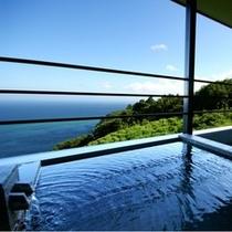 お風呂からの海の眺めは当館の自慢です。