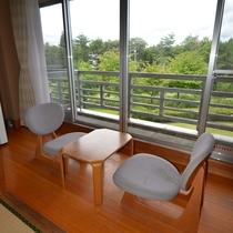 *客室から見た緑地(庭)。1Fの客室なら出ることもOK