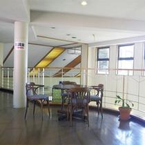 *館内の様子/2階建ての宿泊棟はゆとりのある造りになっております。