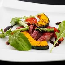 【夕食一例】季節の美味を彩りと舌で愉しむシェフ自慢の創作ディナー。