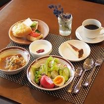 朝食には珈琲or紅茶もご用意いたします