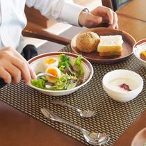 ある日の朝食 朝の早いお忙しい方にも時間調整いたします